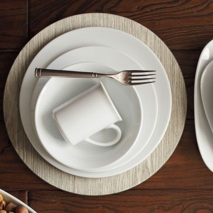 Top 20 Wedding Gift Registry Items | Dinnerware Set