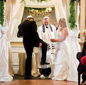 Jewish-Wedding-Traditions-1-300x296