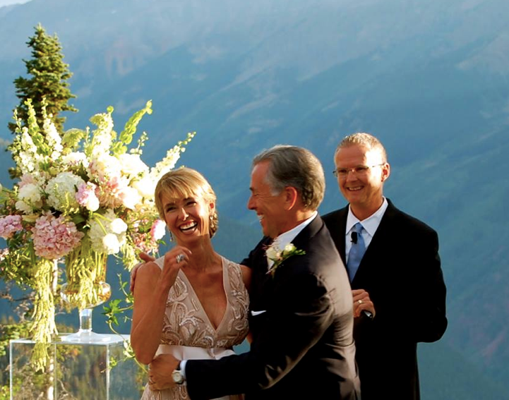 happy couple wedding in aspen - Etiquette for a second marriage - RegistryFinder.com
