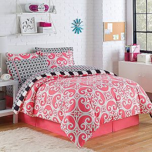 Top Dorm Essentials from Bed Bath and Beyond: Comforter Set