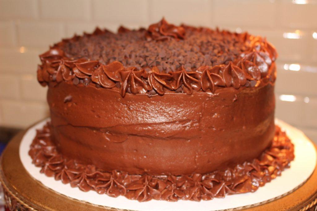 Easy Graduation Party: Chocolate Buttercream Cake