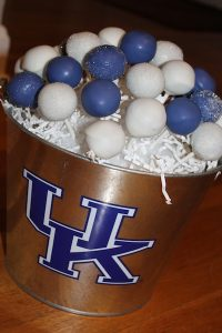 cake pops for graduation party