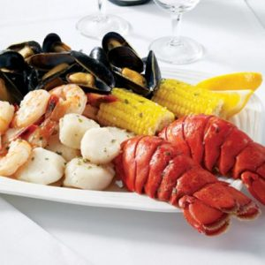 Father's Day Gifts We Love: Hancock Gourmet Lobster Company Maine Shore Dinner