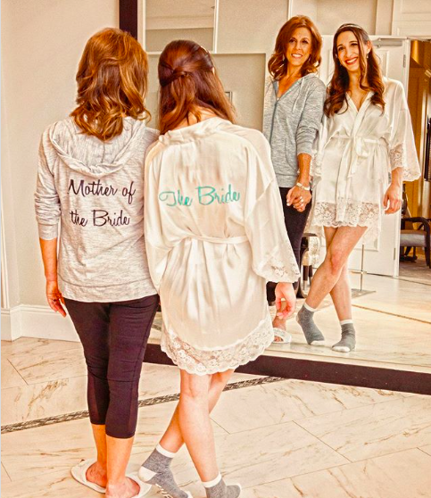 Should the Mother of the Bride Be Invited to the Bridal Shower?