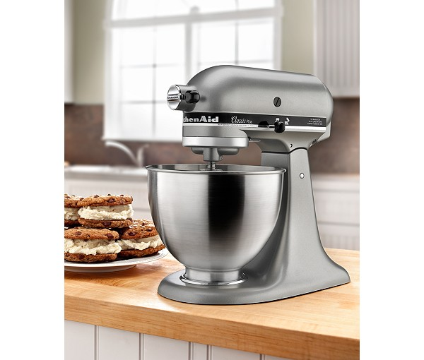 Weddings with Clinton Kelly – Top Registry Items Macy's – KitchenAid Classic Stand Mixer