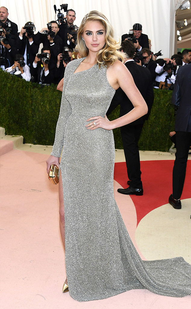 Kate Upton debuts engagement ring at Met Gala.