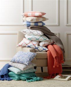 Throw & Decorative Pillows