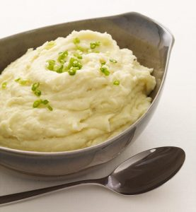 Light and Healthy Thanksgiving Sides and Desserts | Garlic Mashed Potatoes with Greek Yogurt and Scallions