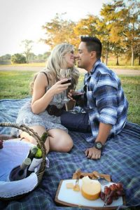 Recreate one of your memorable dates or favorite activities, like Ana and Sergio did!