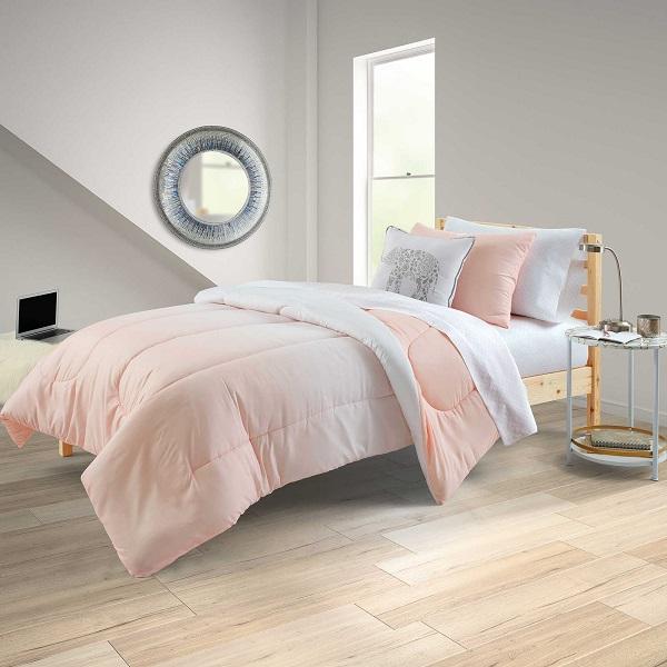 Dorm Essentials   Bedding Set