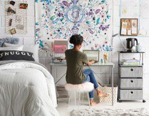 15 College Dorm Room Essentials