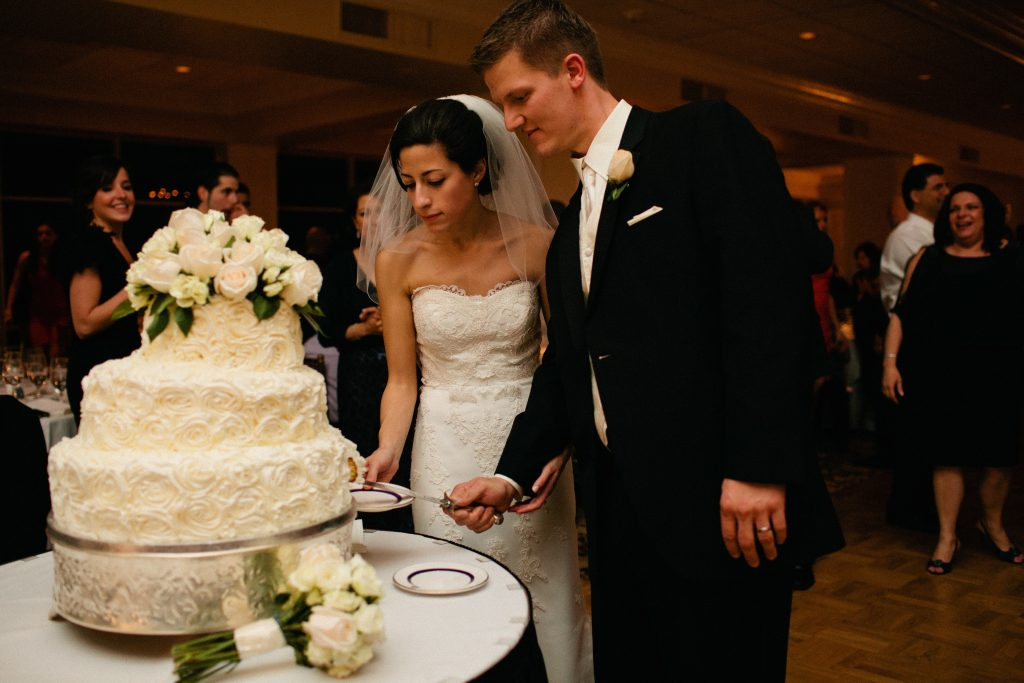 Wedding Traditions to Keep: Cutting the Cake
