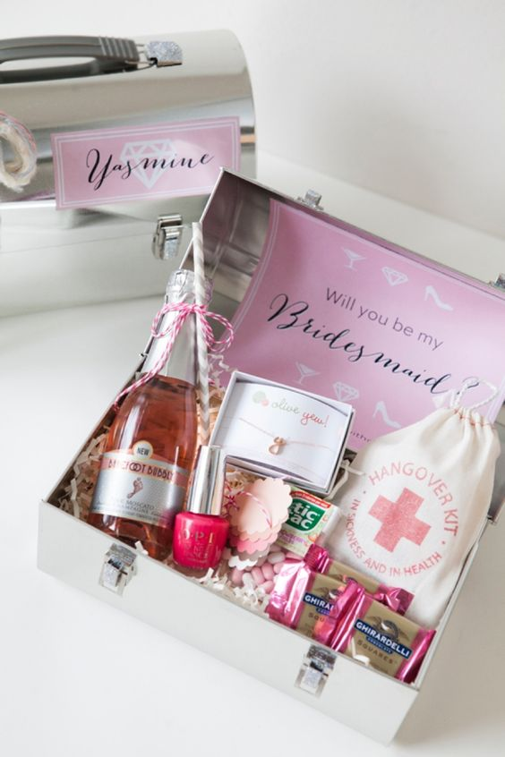 Cute Ways to Ask Your Bridesmaid with a Gift Box