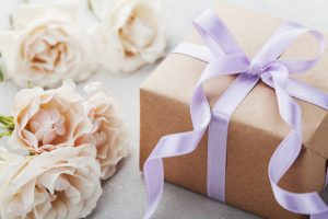 Wedding gifts | Bridesmaid budgeting