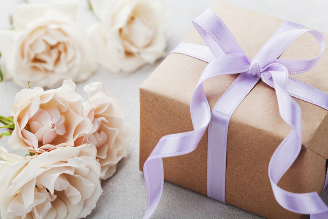 Wedding gifts | Bridesmaid budgeting