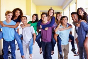Planning the perfect high school graduation party | high school friends