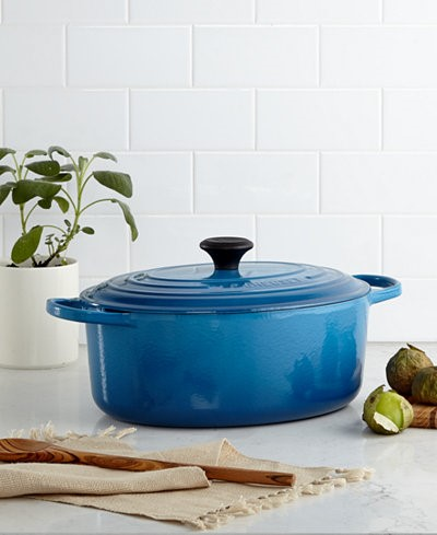 What To Buy For A Couple That Doesn't Register | Le Creuset Dutch Oven