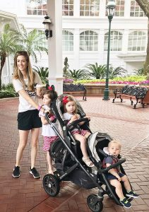 Uppababy Vista for 3 kids in theme park