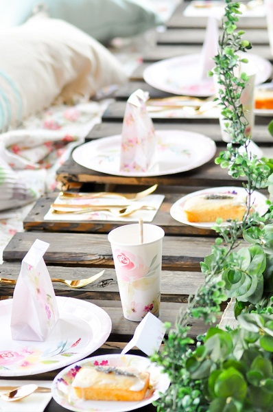 Bridal Shower Themes for Every Zodiac Sign | Aquarius Bride