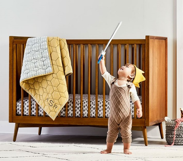Wooden crib, with natural, non-toxic paint