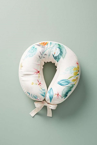 Great Hostess Gifts | Neck Pillow