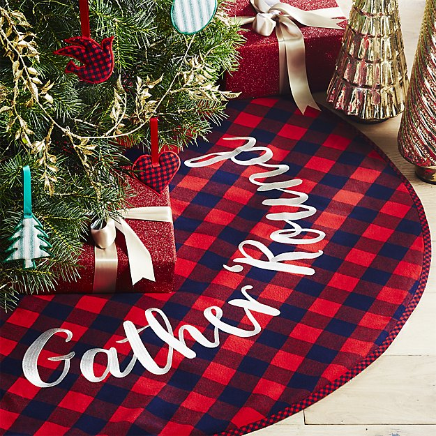 Holiday Gifts for Newlyweds | Tree  Skirt