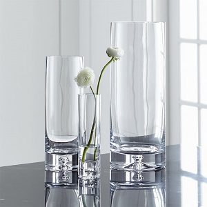 Awesome Hostess Gifts | Glass Vase with flowers