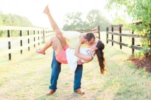 Engagement photos at the farm | Cute engagement photo poses