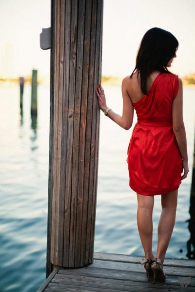 Dock engagement photos | Formal engagement photo outfit