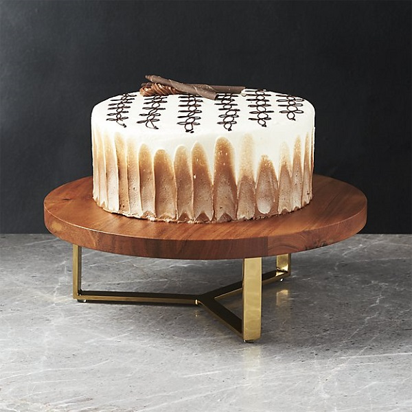 Everyone needs a sturdy cake stand, even a couple on their second marriage!