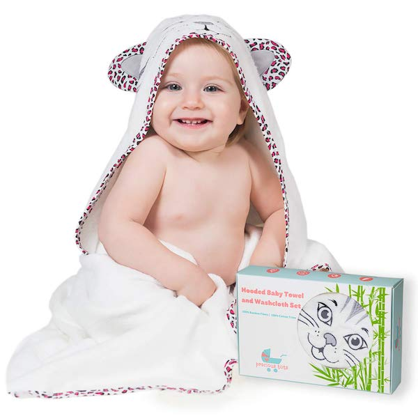 Baby Registry Must-Haves for the Sustainable Mom-To-Be | Hooded Towel & Washcloth Set