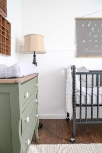 baby's changing table/dresser