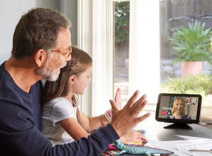 Holiday Gifts the Whole Family Can Enjoy | Echo Show 8