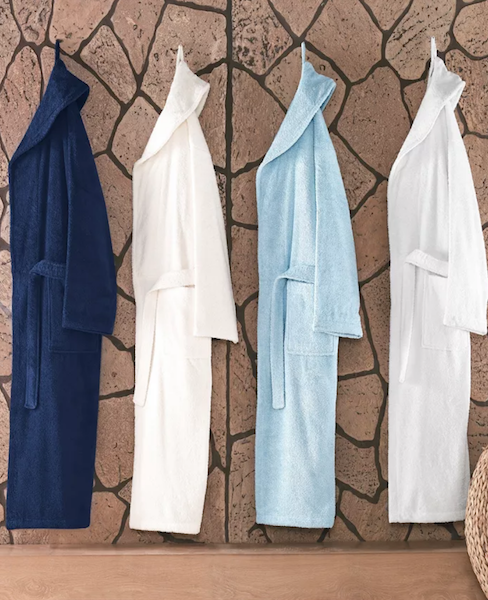 High School & College Graduation Gifts for Every Budget | Bath robe