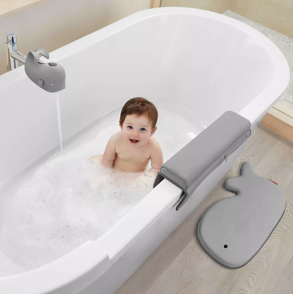 Last-Minute Baby Shower Gifts | Bath Kneeler