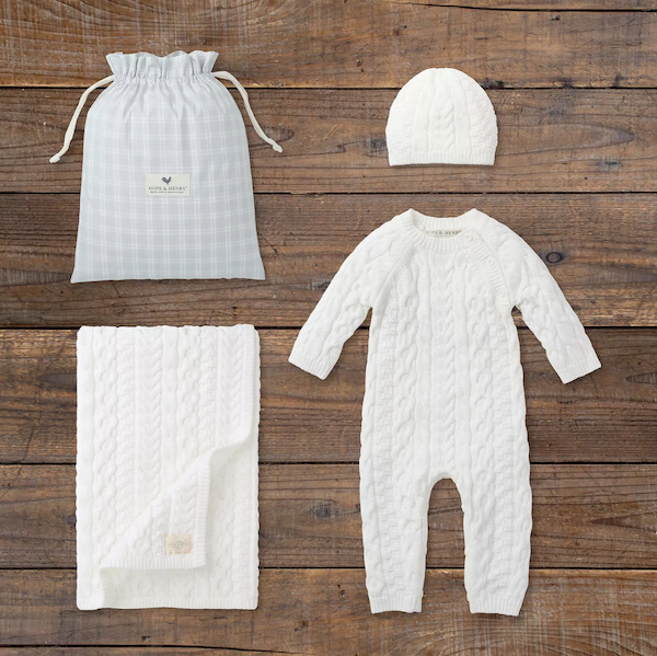 Last-Minute Baby Shower Gifts | Baby Outfit