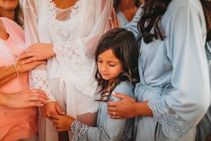 Wedding Day Advice   Getting ready for wedding with bridesmaids